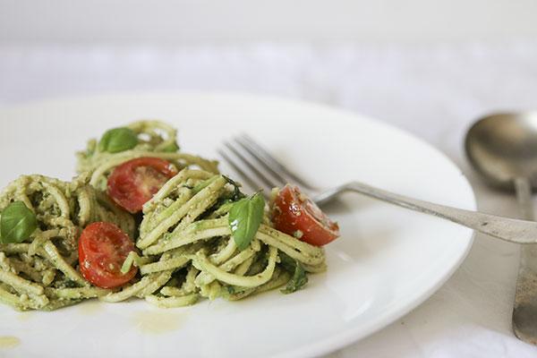 raw-zucchini-pesto-noodles1
